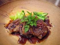 ラム肉のグリル キャラメル味噌ソース