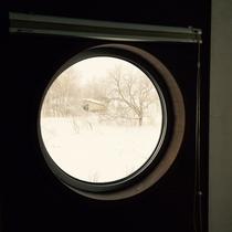 ・・・こだわりの広縁付和室 丸窓・・・