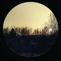 【和-Nagomi-】窓からの夕陽