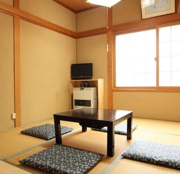 和室9〜11.5畳(ファミリー・グループ向け)2〜5名