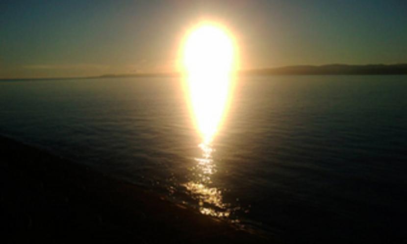 古宇利島の強烈な朝日です。