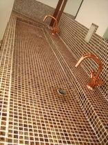 常磐荘が出来た当初の洗面台をイメージしました