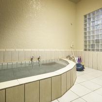 【貸し切り風呂】15:00〜23:00/6:00〜9:00の間でご入浴いただけます。
