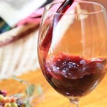 お食事に合わせて、ワインも多数ご用意しております。