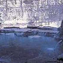 川沿いの露天風呂