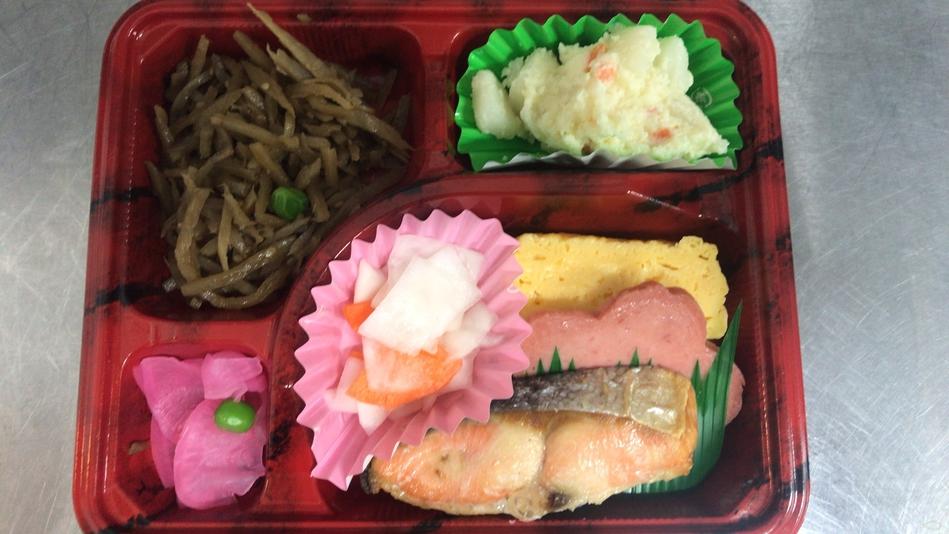 ご朝食一例:おひとりずつのお弁当形式のご朝食ですので、安心してお召し上がりください。