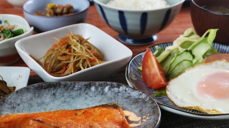 朝食一例/手作りの和定食をどうぞ!