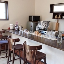 ブックカフェ カウンター1