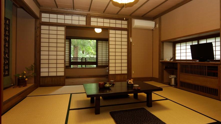 【本館2F_かえで】一般客室は少しずつ雰囲気が違う造りになっています