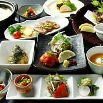 「素材」とおいしさと「旬」のおいしさを活かした筋湯ならではの名物山里料理を存分にご堪能ください!
