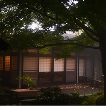【庭園】春夏秋冬季節をお楽しみいだけます。