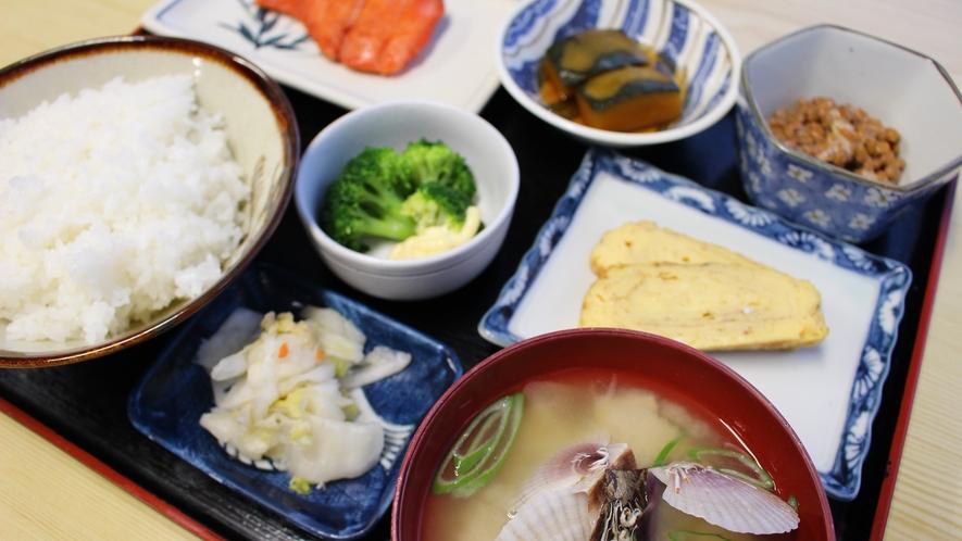 *■朝食(料理)一例/一汁三菜をベースとした彩りのある和定食をご用意!