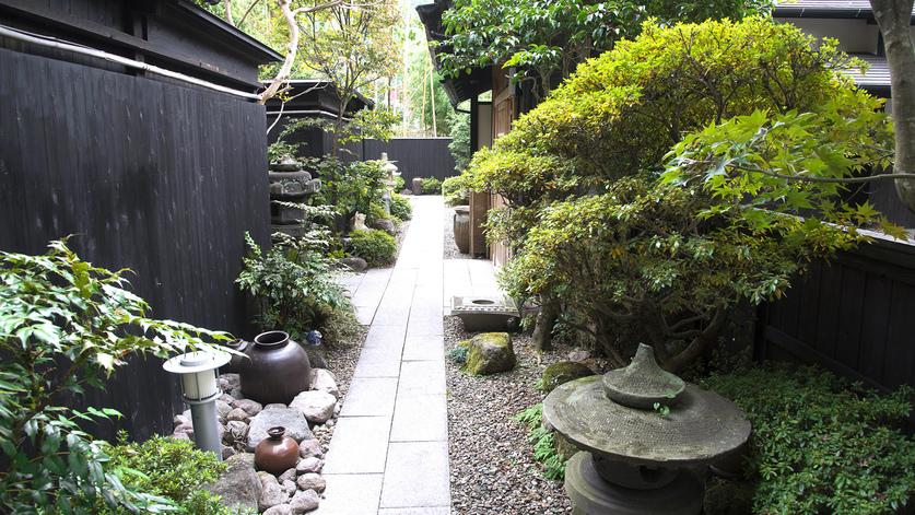 ・和の趣を感じるお庭