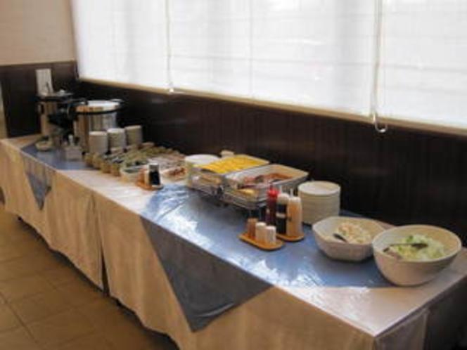 朝食バイキング(和洋食)カレー有。