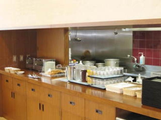 朝食カウンター。日替わりメニュー。カレーもあります!