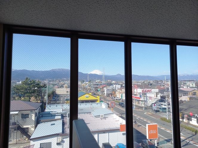 4階非常階段からの富士山