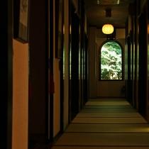 山楽荘 廊下