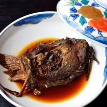 *【夕食一例】鯉の甘露煮。地元産の鯉をコトコトと一昼夜かけて煮込み、柔らかく仕上げています。
