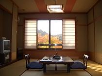 秋の客室(本館)