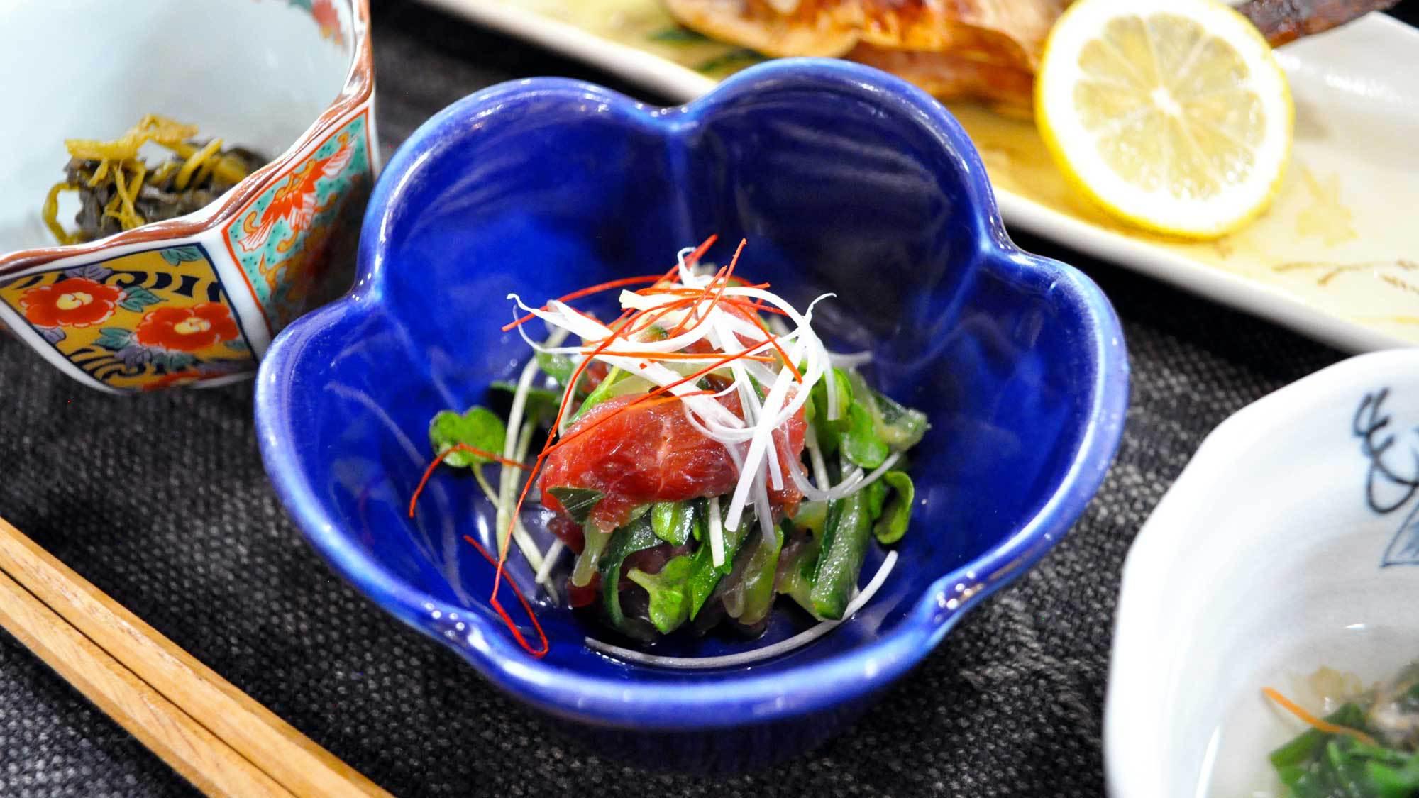 【ご夕食】馬肉の和え物