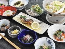 【ご夕食】奈川の地物食材をふんだんに使った手作り料理です。