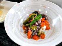 【ご夕食】山菜とチーズを使った和え物