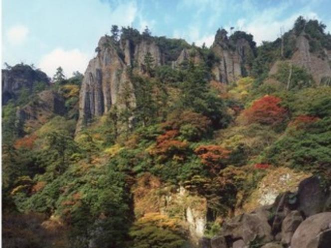 秋の立久恵峡