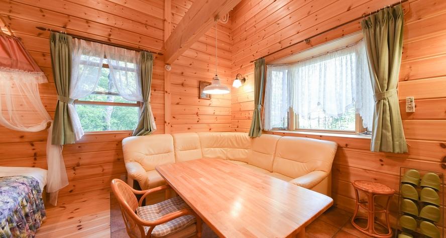*【ログコテージ・ロフト】1階LDK&ベッドスペース