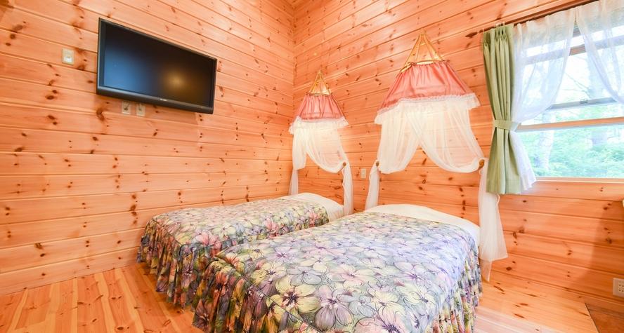 *【ログコテージ・ロフト】天蓋付ベッドスペース