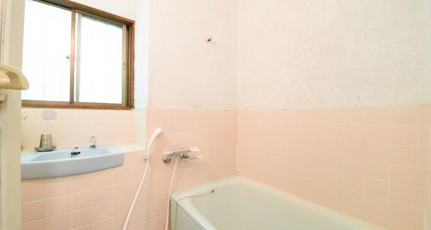 *【和洋室ビラ・タイプ(5名~6名用)】1階バストイレ