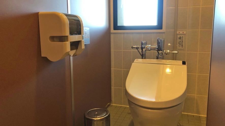 宿泊者用共同トイレ(女性用)