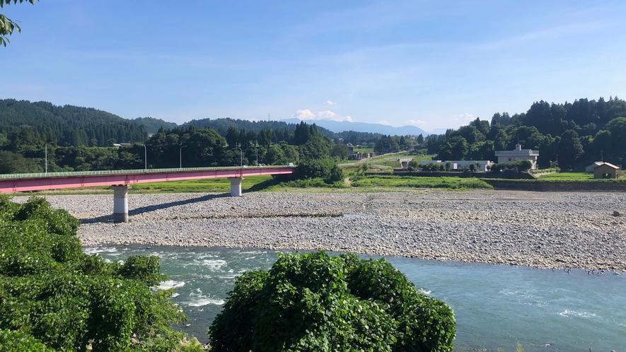 周辺景色(宮中橋)