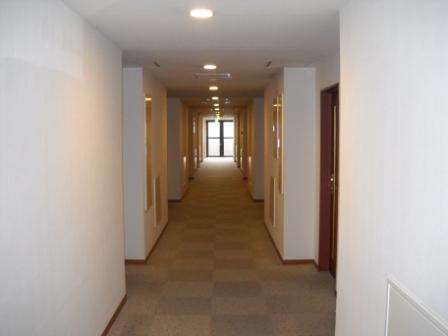 1階、3階は全室禁煙となっております。自販機コーナー(ソフトドリンク、ビール)有。