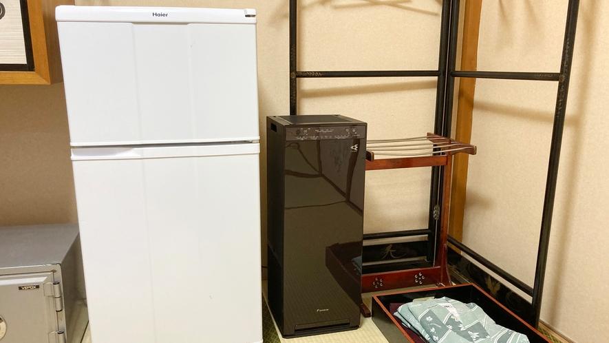 *【部屋設備】全てのお部屋に高性能加湿ストリーマ空気清浄機、冷蔵庫を完備しております。