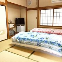 *【竹&松の間】マットレスタイプの和ベッドを計4台ご用意。
