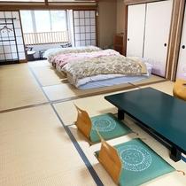 *【樫の間】マットレスタイプの和ベッドを3台ご用意。