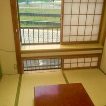 2階【桜の間】川のせせらぎが聞こえる客室