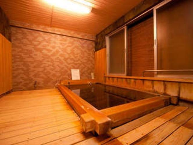ヒノキ風呂1