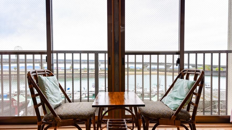 *お部屋/海の見えるお部屋でのんびりお過ごしください。