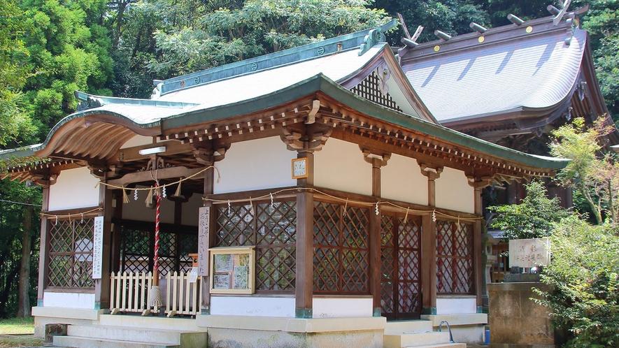 *日奈久温泉神社:600年前孝行息子がお告げを受けて発見したという日奈久温泉。その神様を祭る神社。