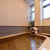 *女湯/日奈久温泉のお湯はやわらかく美人の湯といわれています。
