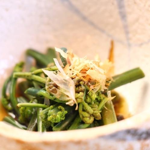 夕食 一品(山菜)