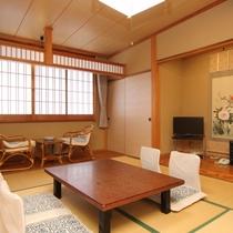和室10畳のお部屋。