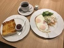 朝食(厚切りトースト)