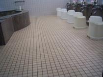 1階 男性用大浴場