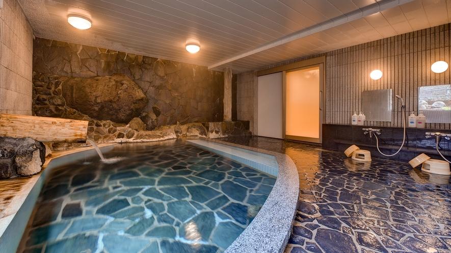 *【滝の湯/男湯】当館のお風呂の中で最も温泉成分が濃い温泉。