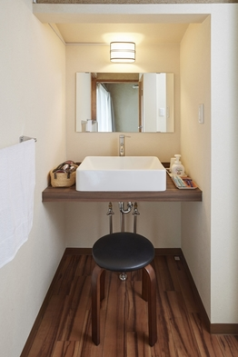 【現金特価】素泊まりプラン トイレ、シャワー室付き 【6+2畳】