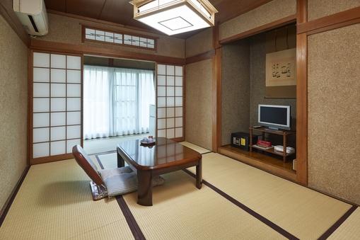 和室【6畳+2畳】 シャワー室、洗浄機能つき洋式トイレ完備