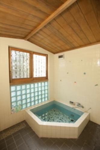 宿泊者様共同の浴室
