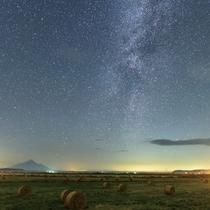 *周辺景色/利尻山をバックに息をのむほど美しい、北海道最北の星空!